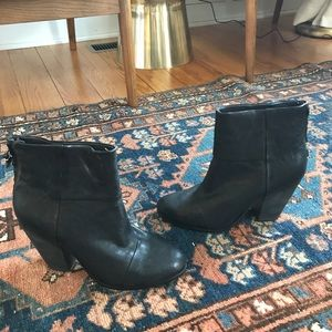 NWT. Rag & Bone. Newbury black booties. 41